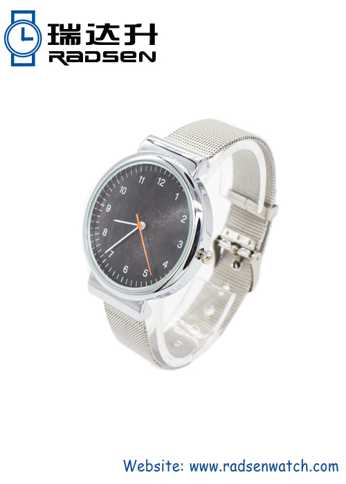 Trendy Ladies Silver Watches Metal Mesh Strap Good for OEM