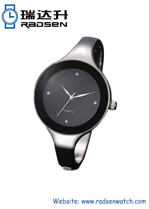 Fashion Silver Bangle Quartz Watch For Women with Metal Wrap Band